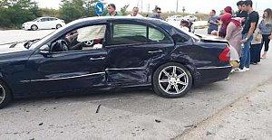İki otomobil çarpıştı: 1 ölü, 6 yaralı