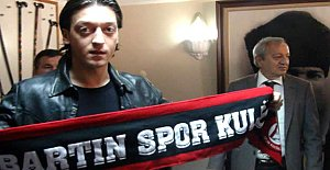 Mesut Özil, Milli Takımı bıraktığını açıkladı