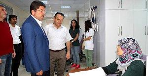 Devlet Hastanesine Anlamlı Ziyaret