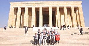 300 km Pedallayarak Ata'nın Huzuruna Çıktılar