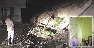 İstinat Duvarı Yıkılan Ev Boşaltıldı