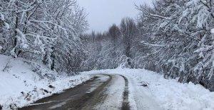 Kardan Kapanan 226 Km Köy Yolu Açıldı