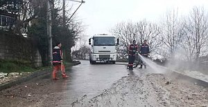 Yollar Tazyikli Suyla Yıkanıyor