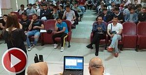 Gençlere kişisel mahremiyet ve bağımlılık konferansı