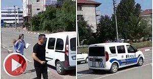 Sınava geç kalan gençlerin imdadına polis yetişti