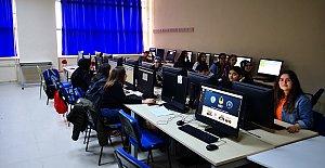 850 Gence Siber Güvenlik ve Kodlama Eğitimi