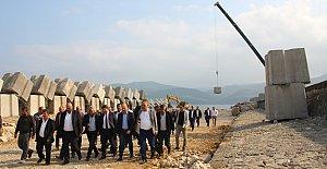 Amasra Mendireğe 11 Bin Beton Blok