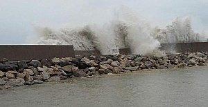Fırtınada Hasar Gören Mendirek Onarılacak