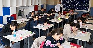 Bahçeşehir Koleji Bursluluk Sınavına Yoğun İlgi