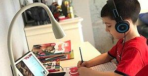 Uzaktan Eğitim Süreci 100 Bin Öğrenciyle Devam Ediyor