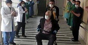 72 Yaşında Koronavirüsü Yenerek Alkışlarla Taburcu Oldu