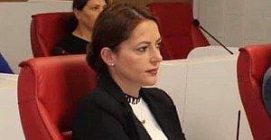 CHP'den İstifa Etti, AK Parti'ye Katıldı