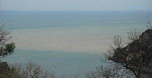 Eriyen Kar Karadeniz'in Rengini Değiştirdi
