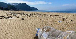 İnkum Sahili Çöplüğe Döndü