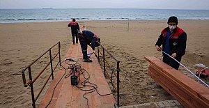 İnkum'da Engelli Vatandaşların Denize Ulaşımı Kolaylaştırılıyor