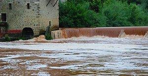 Bartın Irmağı Köpürdü, Halk Tedirgin