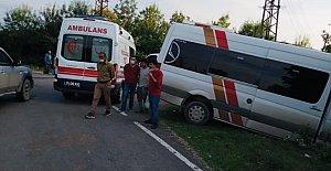 İşçi Servisi Kamyonetle Çarpıştı: 2 Yaralı