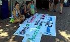Timur'a Kınalı Protesto