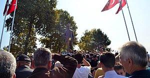 Kılıçdaroğlu, Atatürk Heykelinin Açılışını Yaptı