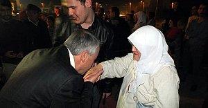 MHP Adayı Yıldırım Hacıları Karşıladı