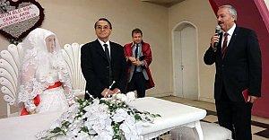 MHP'li Yıldırım nikah şahidi oldu