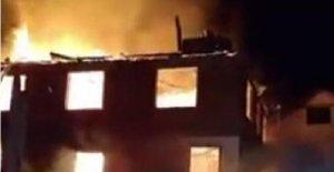2 katlı ev yangında kül oldu