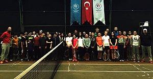 Bartın'da Tenis Yıldız Müsabakaları Başladı