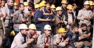 Madenciler Soma'da ölen 301 madenciyi andı