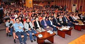 Üniversiteye Yeni Başlayan 4 Bin 444 Öğrenciye Uyum Eğitimi