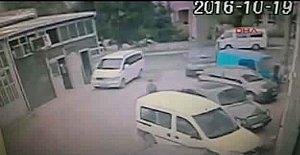 1 Kişinin Yaralandığı Kaza Güvenlik Kamerasında