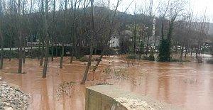 Bartın'da yağmur dereleri taşırdı, 5 köy yolu kapandı