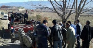 Direksiyon başında kalp krizi geçiren traktör sürücüsü öldü