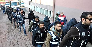 Gözaltındaki akademisyenler adliyeye çıkartıldı