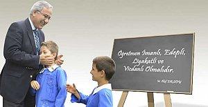 Mesleğinin 47. Yılında 'Öğretmenler Günü'nü Kutladı