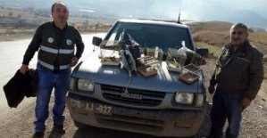 Saka kuşu avlayan avcıya 2 bin 696 lira ceza