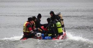 Gölde kaybolan 2 balıkçı bulunamadı
