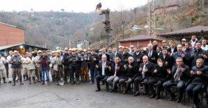 Madenciler kurban kesti