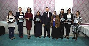 Bartın'da Başarılı Kadınlara Plaket