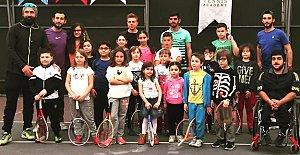 Tenis Okullarına İlgi Artıyor