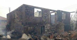 5 ev, 4 ahır yandı