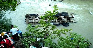 Beton Mikseri Irmağa Uçtu