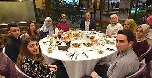 Rektör Uzun, şehit yakınlarıyla iftar yaptı