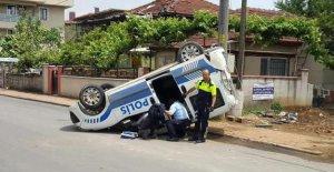 Trafik kazası: 2 polis yaralandı