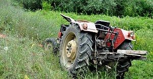 Devrilen Traktörün Sürücüsü Öldü