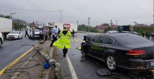 Hatalı Sollama Kazaya Davetiye Çıkardı: 2 Yaralı
