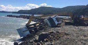 Liman inşaatında kaza: 1 yaralı