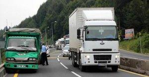 Bolu Dağı'nda Kilometrelerce Araç Kuyruğu