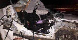 Cip bariyerlere çarptı: 2 kardeş öldü, 3 yaralı