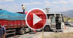 İşçileri Cuma Namazına Götüren Otobüse TIR çarptı: 30 yaralı