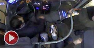 Kadın yolcunun tepkisine dayanamayan şoför...